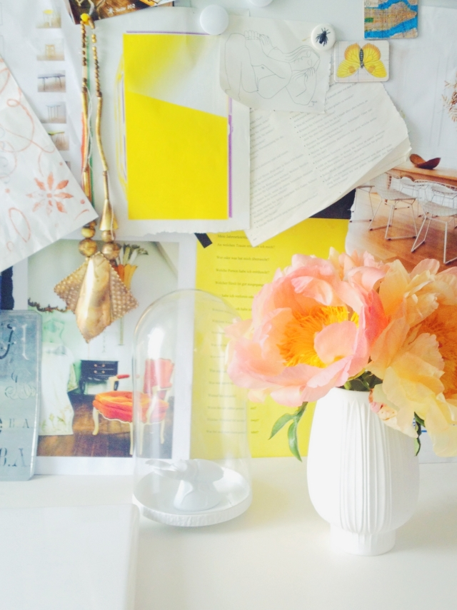 Salmon colored Peonies Stilzitat home office via Passion and Obsession blog