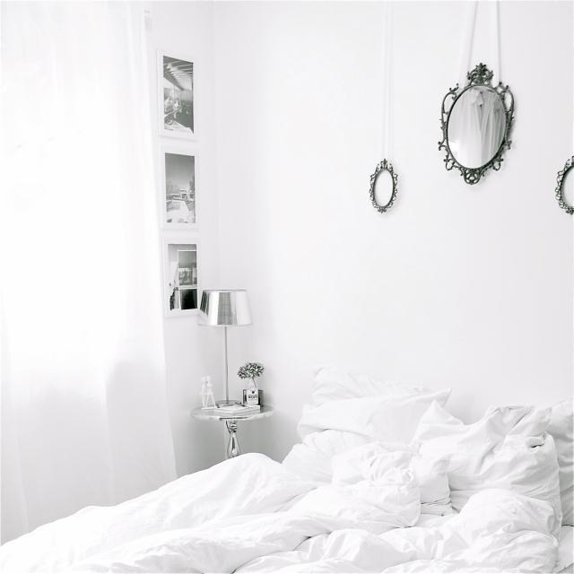 White Bedroom via Stilzitat