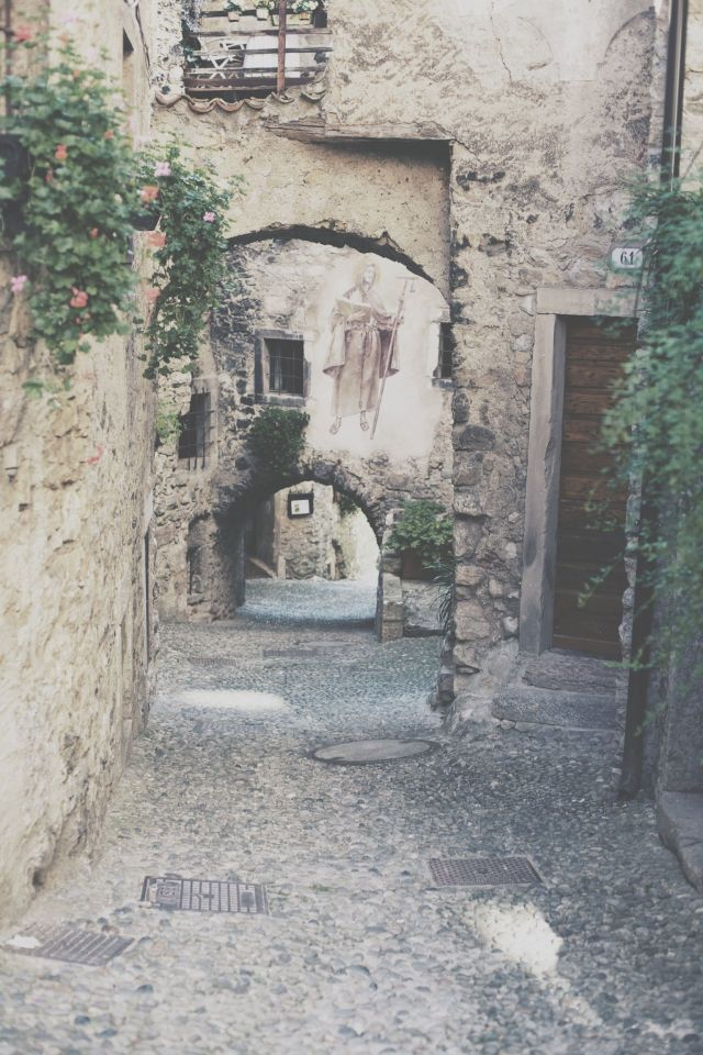 Village Canale north Italy via Stilzitat blog