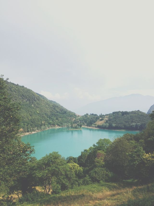 Lake Tenno north Italy via Stilzitat blog