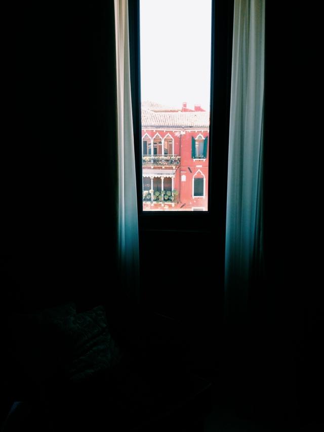 Venice hotel room interio and exterior via Stilzitat blog