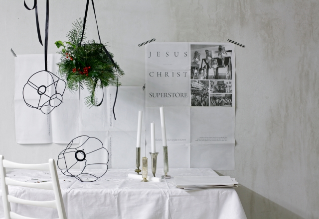 DIY Christmas Chandelier wreath via Stilzitat blog