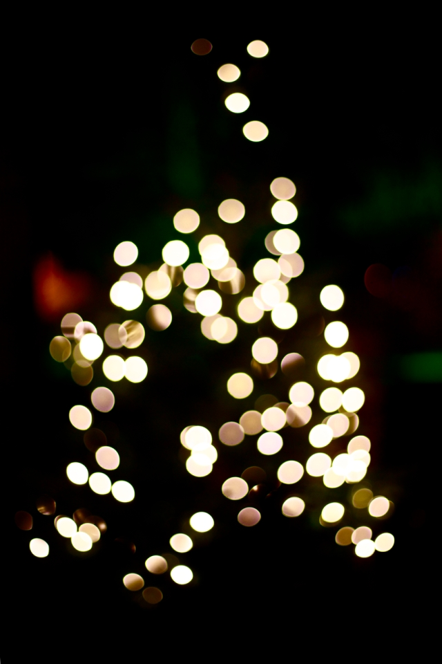 Blurry Christmas tree via Stilzitat blog