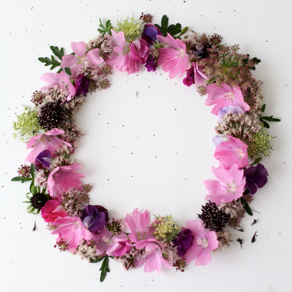 Summer flowers wreath via Stilzitat blog