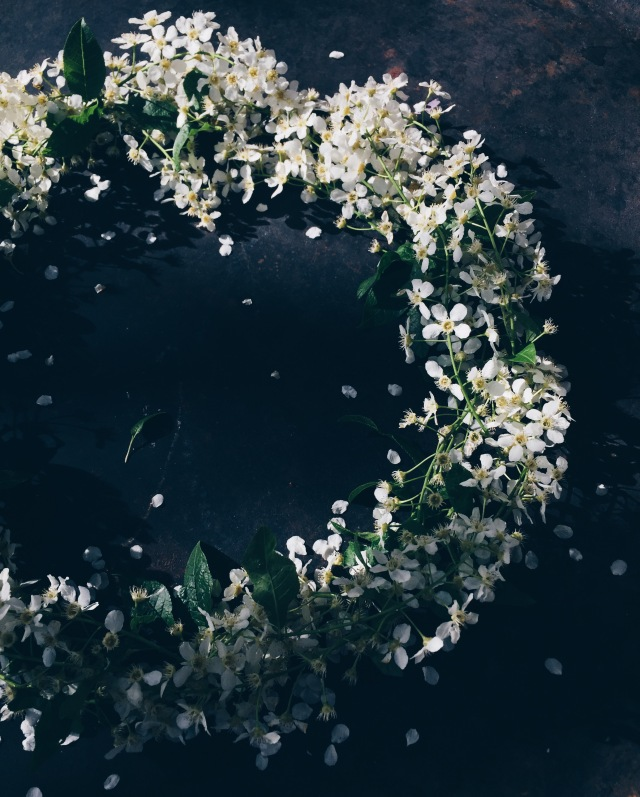 Moody spring wreath via Stilzitat blog